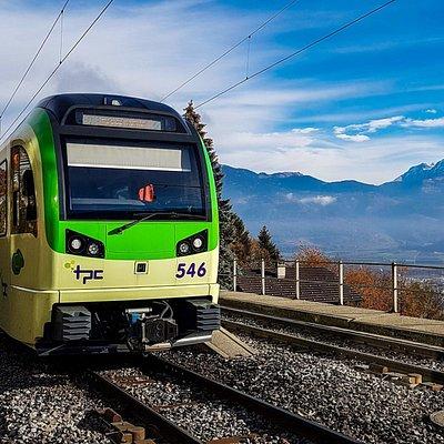 Train AOMC Aigle - Ollon - Monthey - Champéry en traversant le Val d'Illiez