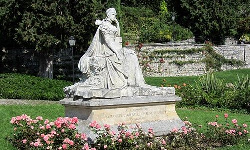 Statue de Sissi Elisabeth d'Autriche (impératrice) au Parc des Roses à Territet-Montreux (VD)