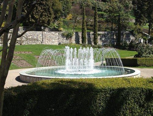Parc des Roses à Territet-Montreux (VD) - Fontaine