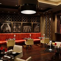 Li Beirut - Indoor Dining Area