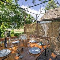 Le restaurant du panorama du Roc des Hourtous vous attends sur sa terrasse surplombant les Gorges du Tarn.