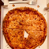 Einfach lecker und der herzlichste Service! Kann die Pizzen einfach nur empfehlen!😋