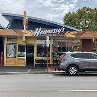Hennessy's Cafe Bakery
