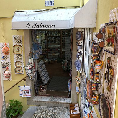 Loja de artigos artesanais portugueses.