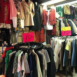 Li Yuen Street West - street stalls