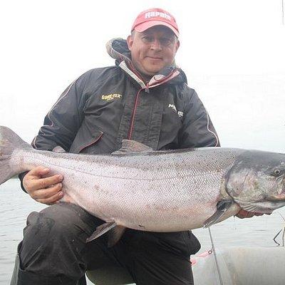 Рыбалка на чавычу,это верх мастерства.Самая сильная из пресноводных рыб это конечно чавыча.Мы организуем рыбалку на чавычу в июне-июле,а так же организуем другие рыболовные туры:сплавы,рыбалка на кижуча,зимняя рыбалка на корюшку,щуку.