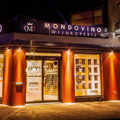 Mondovino by night