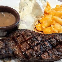 Prime Sirloin with Mac & Cheese