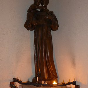 Leuven, St. Anthony of Padua Church  (Schreursvest), statue