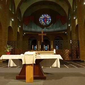 Heverlee, Parochie Onze-Lieve-Vrouw van Troost, main altar