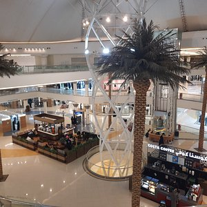 Beautiful mall with best Abaya shops and variety.
