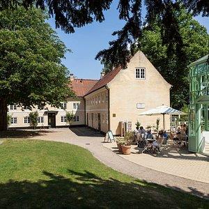 Orangeri, romantisk have og museum for den danske guldalder