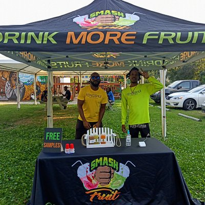 Fresh Fruit Juice Vendor