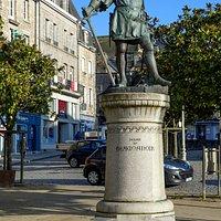 Monument Jehan De Beaumanoir