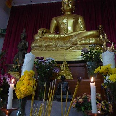 Der große Buddha von Wat Dhammabharami Dortmund (2)