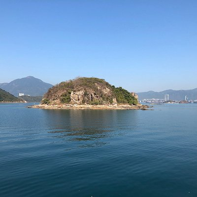 Double Haven - one of the small islands as you approach Lai Chi Wo