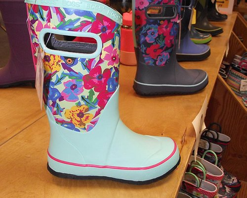 NH - DOVER - RED'S SHOE BARN – GIRLS' PULL-ON BOOTS