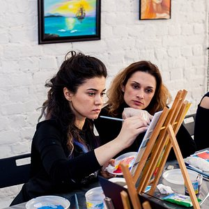 Cozy art studio Artista  in the center of Saint Petersburg where you can get an inspiration, feel the atmosphere of the Russian cultural capital and create your art.