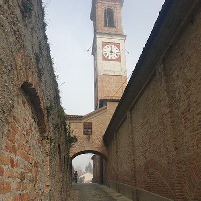 Guarene - Chiesa SS Pietro e Bartolomeo, via IV Novembre (Cn)