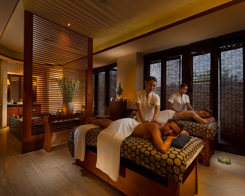 Jiwa Spa comprises several serene treatment and relaxation zones for the ultimate Bali spa escape. Facilities include 9 treatment rooms, 2 spa villas, steam room, sauna, Jacuzzi, whirlpool, hydro plunge, as well as a hair and make-up boutique and a fitness center. Unwind with some laps in the private 25-meter pool.