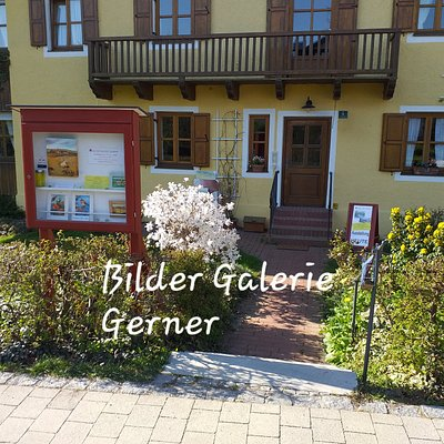 Bilder Galerie Gerner, Eingang mit Schaukasten in Lengham bei Bad Birnbach!