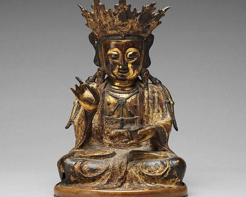 A seated figure of Buddhisattva, Ming dynasty (1368-1644).