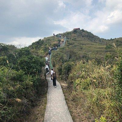 Kiu Tsui Country Park - well maintained main trail on Sharp Island