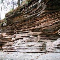 Sandstone ledges around Stan Rock