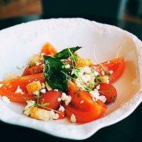Ensalada de Tomates Canarios y Queso Feta