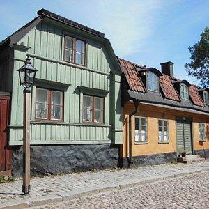 La via con le case storiche