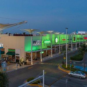 Atardecer en Outlet Cancún