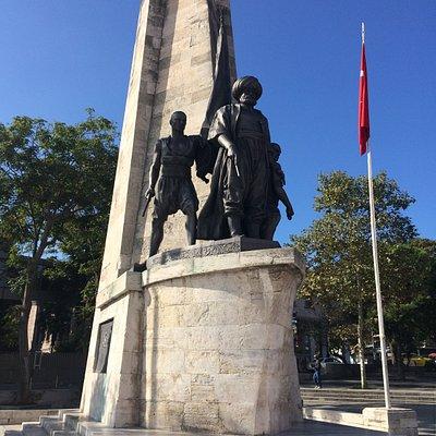 Barbaros Hayrettin Paşa Heykeli