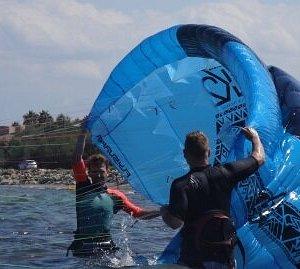 flysurfer cursos de kitesurf en Pollensa Mallorca con Peak