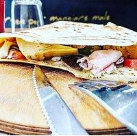 La piadina artisanale : Copieux et beaucoup moins lourd qu'une pizza !