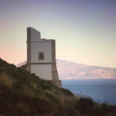 Con il Monte San Giuliano ( Erice ) sullo sfondo !