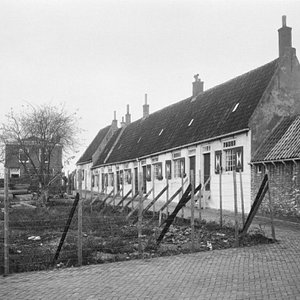 Weduwenhuisjes, omstreeks 1955