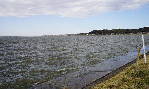 護岸も波をかぶる