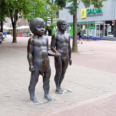 'Father and Son' sculpture in Tartu Photo: Tartu Visitor Centre