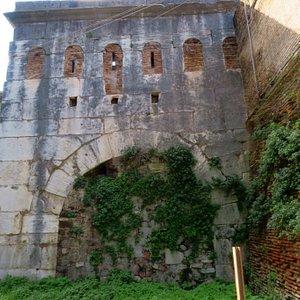La Porta Clausa