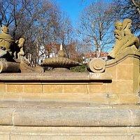 Wettinbrunnen im Bismarckhain