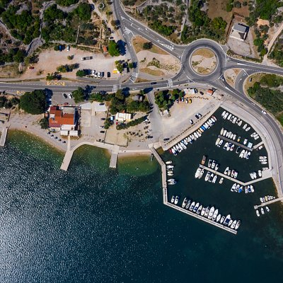 Port Dunat, location of our boat charter, this new Base is quiet and very accessible by car, only 5minutes drive from town Krk and also parking spaces are on site. The bay of Punat itself is under protection so this makes it a no speeding zone but also a beautiful and peaceful location.