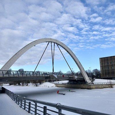 Winter photo of the Freedom Bridge.  Photo: R. Pindus