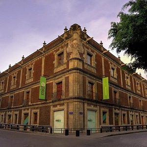 El MIDE, Museo Interactivo de Economía, es el primero de su tipo en el mundo.