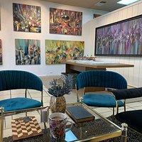 Art gallery, original paintings ,large artwork, gifts, creative atmosphere