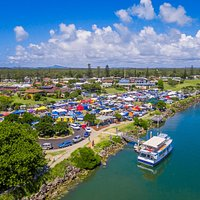 Held on the 4th Sunday of the month, located at Ford Park on the foreshore of the scenic Clarence River. The natural riverside location is the ideal backdrop for a relaxed morning market, trading from 9am till 2pm.