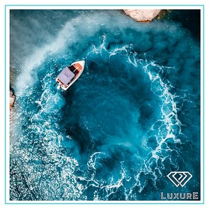 Drone picture of a LuxurE speedboat