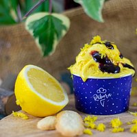 La dolcezza, è donna! 🤗 La nostra torta al limone e frutti di bosco è stata rivisitata appositamente per l'8 Marzo, vi piace?