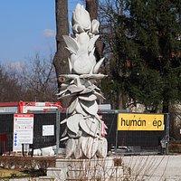 56-os szobor