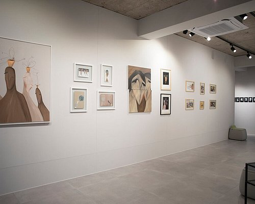 Gru Art Gallery exhibition hall