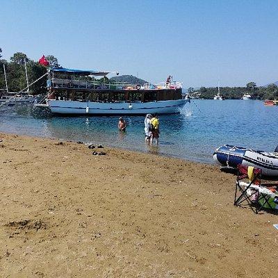 Göcek'in turkuaz renkli koylarında Turkuaz teknesiyle enfes bir tur